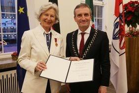 Düsseldorferin erhält Bundesverdienstkreuz